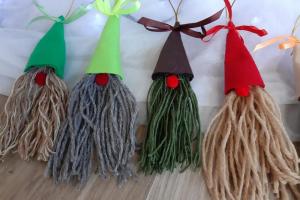 Skolēnu gatavotās dāvanas Ziemassvētku dāvanu maisam